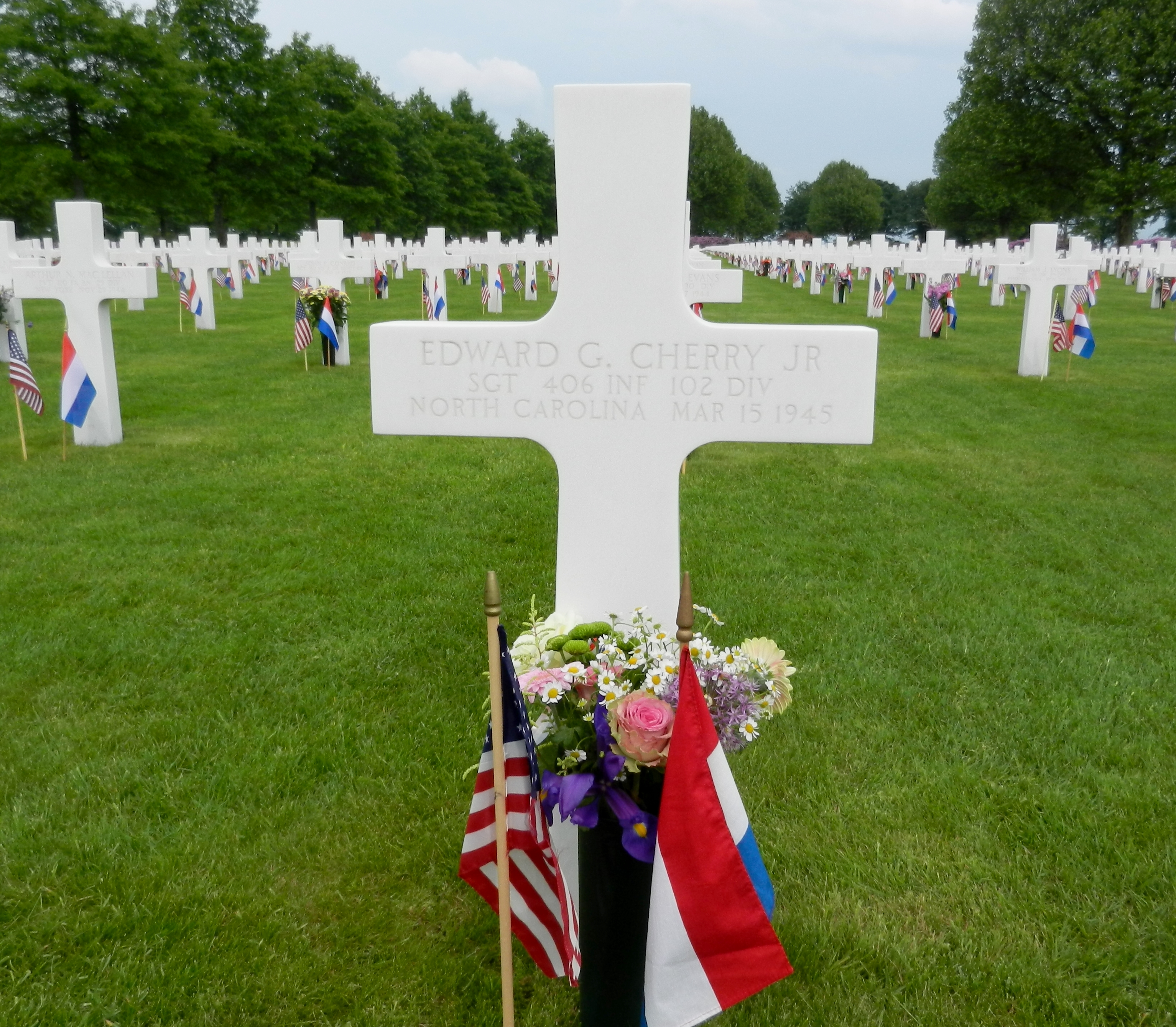 The grave of Sgt. Edward Cherry, The Citadel Class of 1946, in Holland