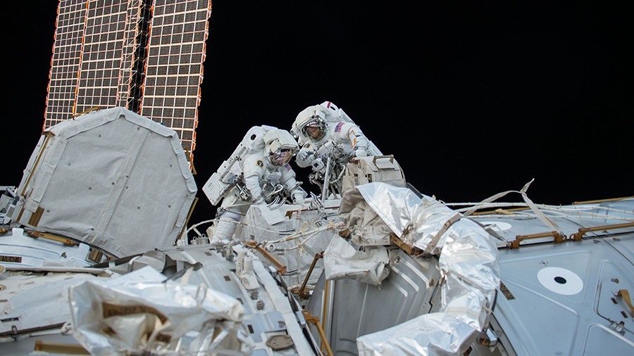 Randy Bresnik and Mark Vande Hei on Expedition 53's second spacewalk, October 5, 2017