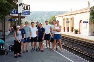 Waiting for the train in Cassis